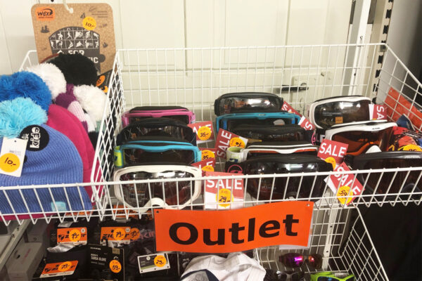 Outlet-1